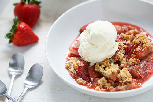 Strawberry Rhubarb Crisp – Peak 24 Fitness